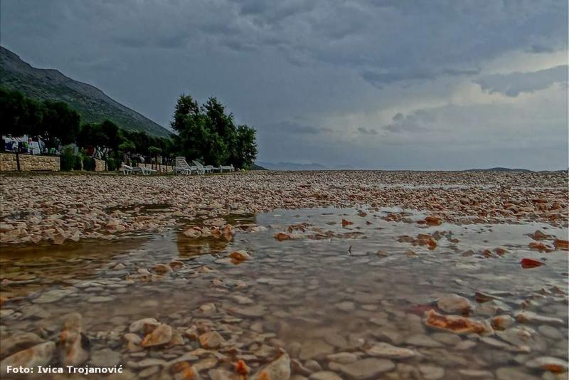 Uz jednu umjetničku - nadamo se da će turisti ovog rujna biti uporniji i od kiše