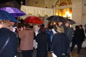 Kiša omela procesiju na Veliki petak