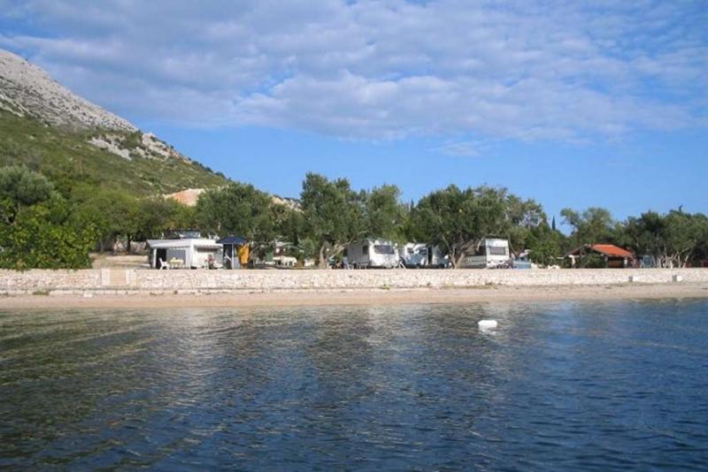 I kamp 'Palme' u Kućištu ostvaruje promet i krajem listopada