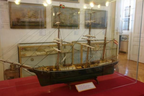 Model pelješkog barka iz 19 st.