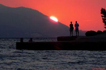 Ilustracija: zalazak još jedne turističke sezone