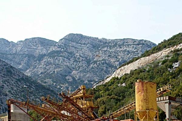 Postrojenja za preradu kamena u kamenolomu KTD 'Bilan'