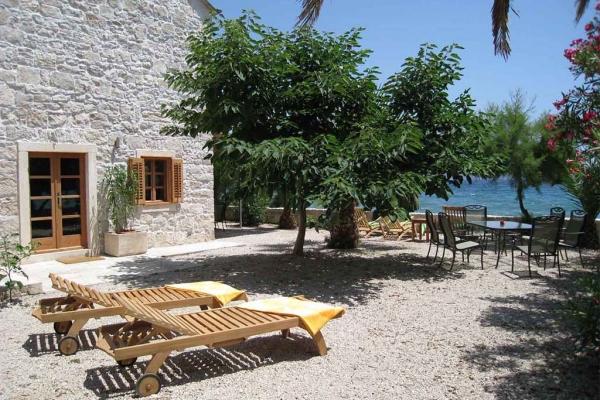 Kuća za odmor - privatni smješaj u Orebiću