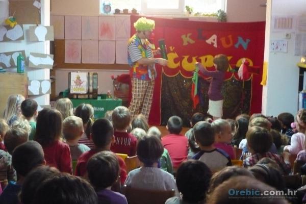 Klaun Čupko i orebićki mališani