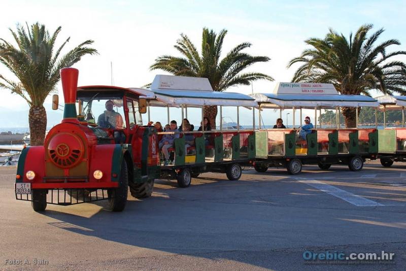 Orebićki turistički vlak