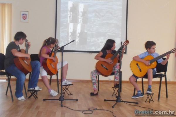 Kvartet gitara na koncertu Osnovne glazbene škole