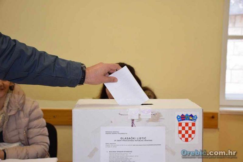 Ilustracija: glasovanje - glasačka kutija