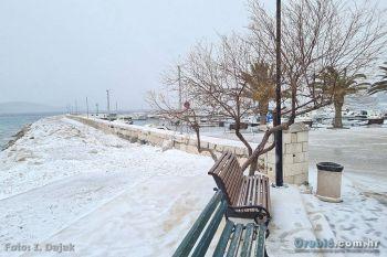 Ilustracija: zima 2021. u Orebiću