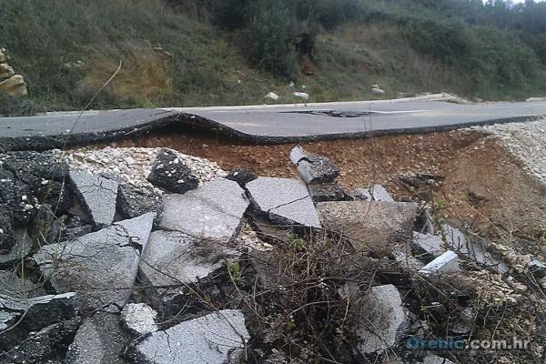 Oštećena županijska cesta u Basini