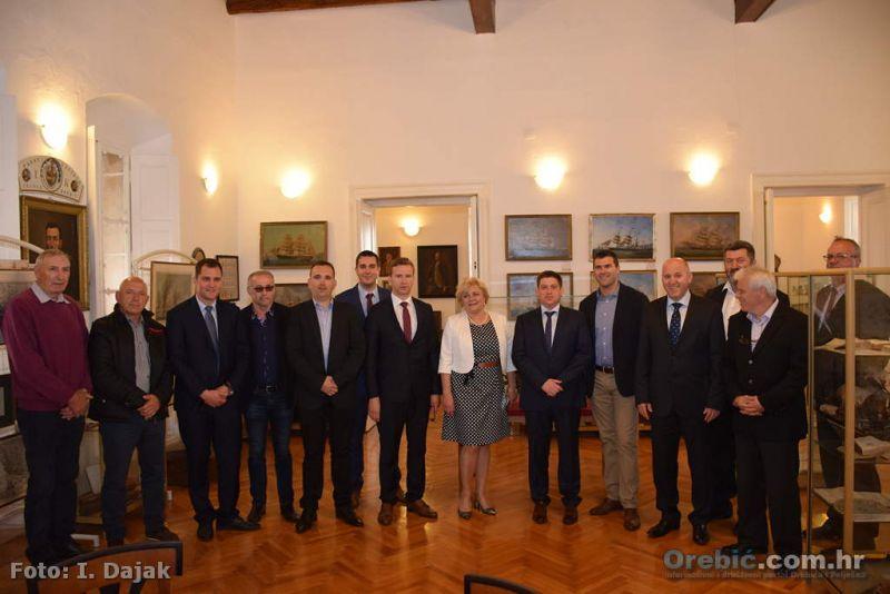 Gosti su u društvu domaćina razgledali i postav Pomorskog muzeja u Orebiću