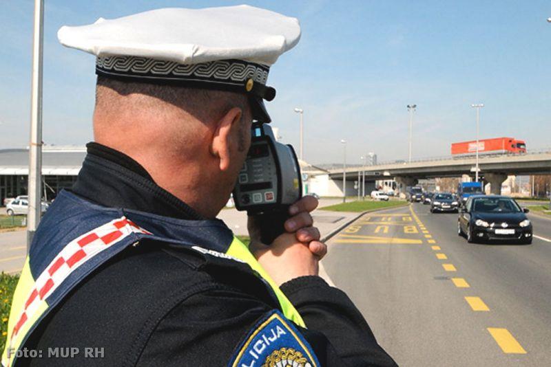 Ilustracija: mjernje brzine u prometu