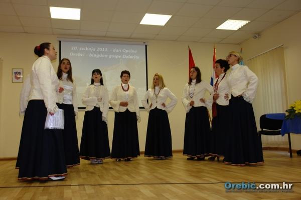 Nastup ženske klape Nava u dvorani Općine Orebić
