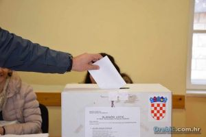 Ilustracija - glasačka kutija