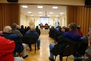 Dobro popunjena Općinska dvorana lijepa je kulisa političkih zbivanja