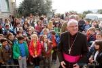Biskup msgr. Mate Uzinić i orebićki osnovci