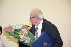 Danas u Uredu predsjednice Ivo Maričić prima nagradu kao zaslužni član Matice hrvatske