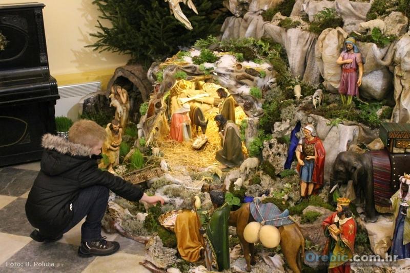jaslice u župnoj crkvi Pomoćnice kršćana