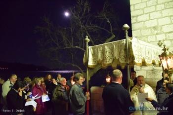 Blagoslov tijekom procesije