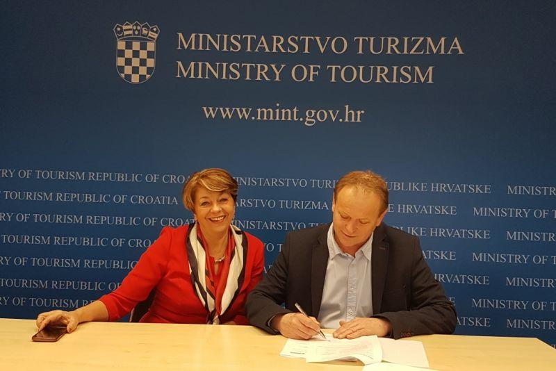 Općina Orebić potpisala ugovore za sufinanciranje projekata