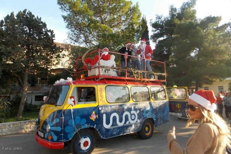 S božićne povorke UMO-a 2012.