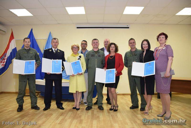 Ovogodišnji dobitnici nagrada Općine Orebić s predsjednikom Komisije za javna priznanja