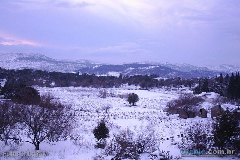 Ilustracija: Iz arhive - snijeg u Kuni sada već davne 2005.g.