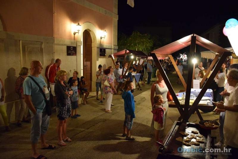 Noć peljeških vina i kuhinje  3. srpnja - lijepo i veselo, ali očekujemo veću gužvu ubuduće