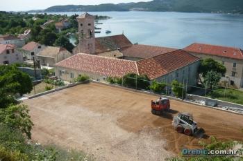 Pripremni radovi za asfaltiranje igrališta u Vignju