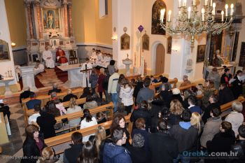 Ilustracija: Župna crkva u Orebiću: Veliki petak 2016.