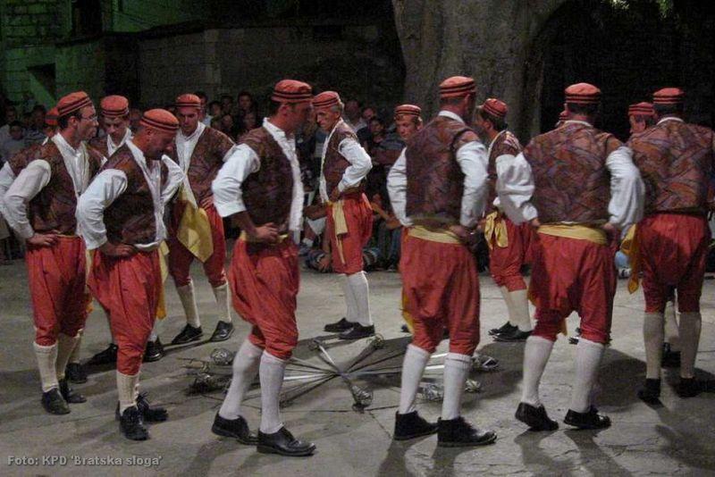 "Večeras u Orebiću - ""Ples od boja"""
