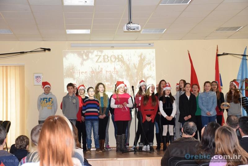 S Božićnog koncerta učenika glazbene škole