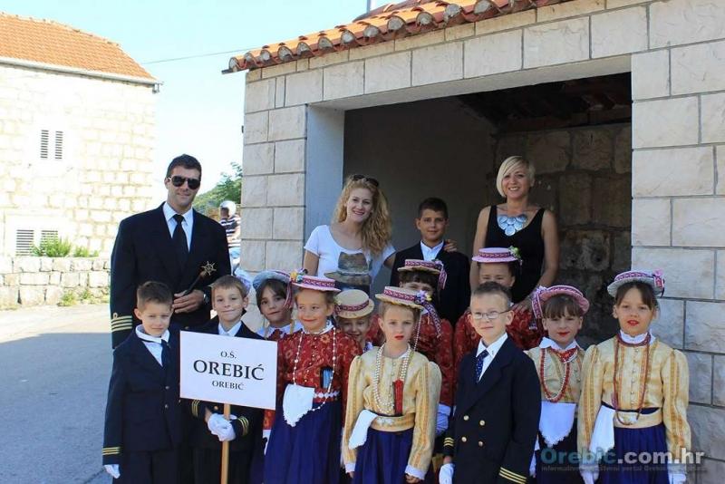 Mališani Folklorne skupine OŠ Orebić