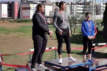 Marija na pobjedničkom postolju sa Sandrom Perković