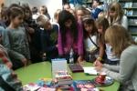 Sanja Pilić na potpisivanju knjiga