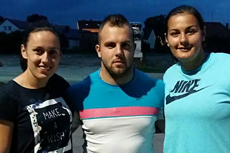 Marija s kolegama iz kluba: bacačica kladiva Anamari Kožul i bacač kugle Matija Carek - u Varaždinu poslije natjecanja