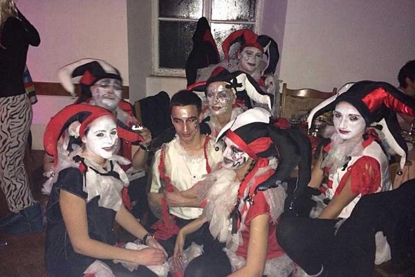 Prvu nagradu za maškaranu grupu sinoć su osvojile 'Dvorske lude'