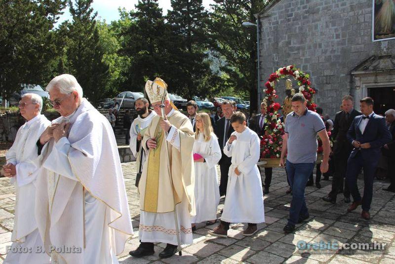 Sa Mise i procesije u Kuni