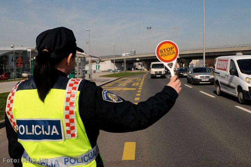 Ilustracija: prometna policija u akciji