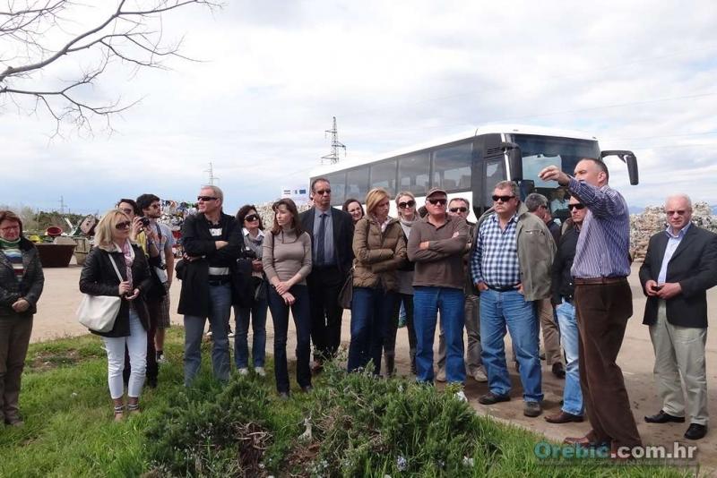 Čelnici JLS i djelatnici komunalnih poduzeća upoznaju se s razvrstavanjem otpada na Krku