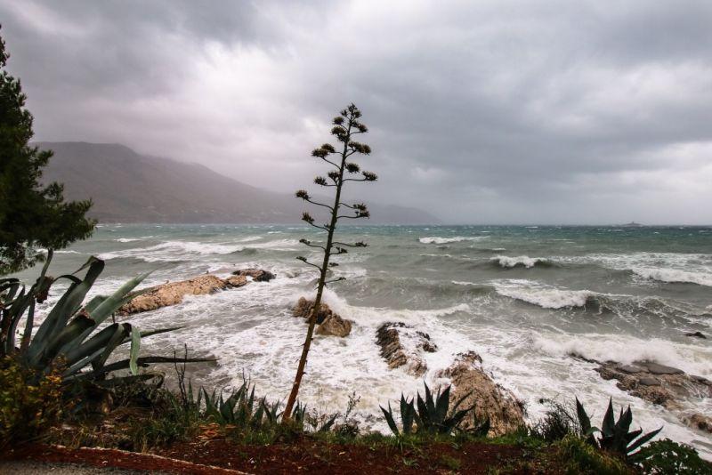 Olujno jugo