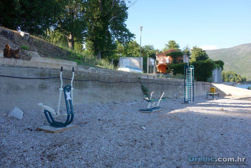 'vježbaonica' na plaži Trstenica (Galerija: Orebić i Viganj)