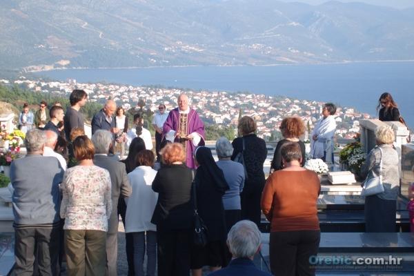 Obilježavanje blagdana Svih svetih u Orebiću