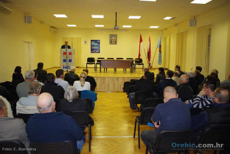 S predizbornog skupa HDZ-a u Orebiću