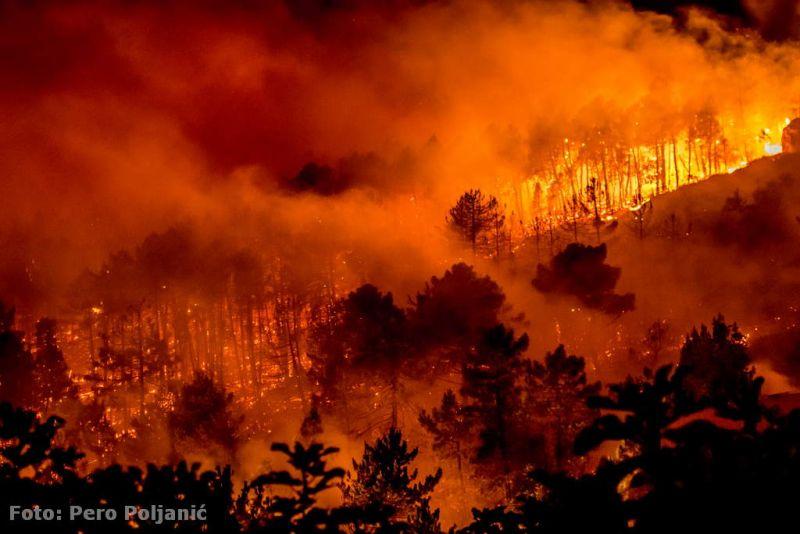 Jedna od fotografija požara Pera Poljanića